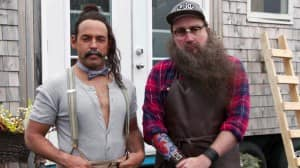 22_minutes_hipster_chef_tiny_house_thumbnail