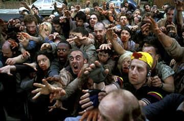 zombiescrowd.jpg