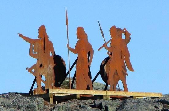 Viking_statues.jpg