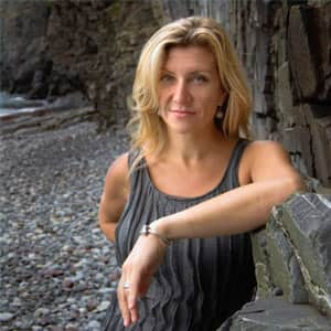 Kim Stockwood_web.jpg