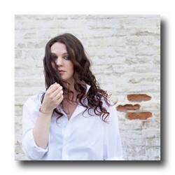 amelia curran_web.jpg