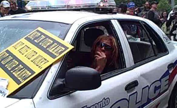 G20-cop-car-jen.jpg