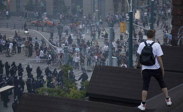 g20-from-rooftop-leeelz.jpg
