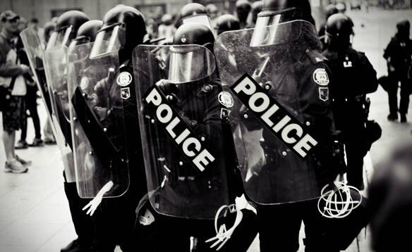 riotpoliceyamal.jpg