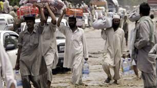 tp-pakistan-aid-cp-9191022.jpg