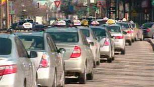 mtl-taxi-lineup-cbc.JPG