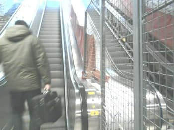 PDA metro escalators