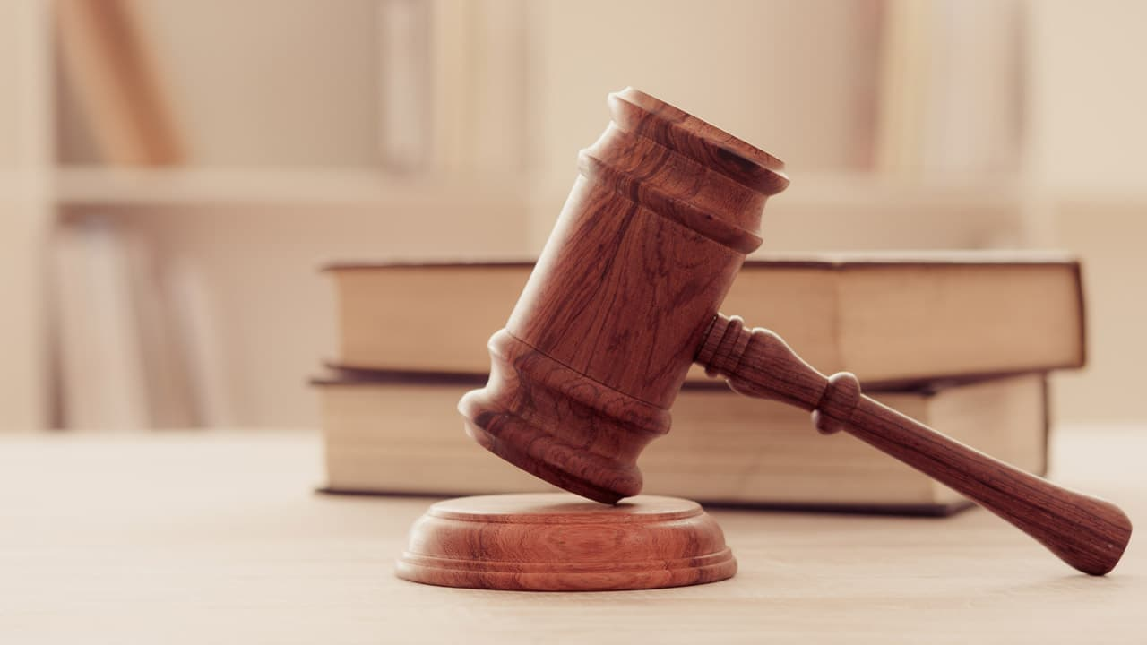 How entrepreneurs can avoid being sued
