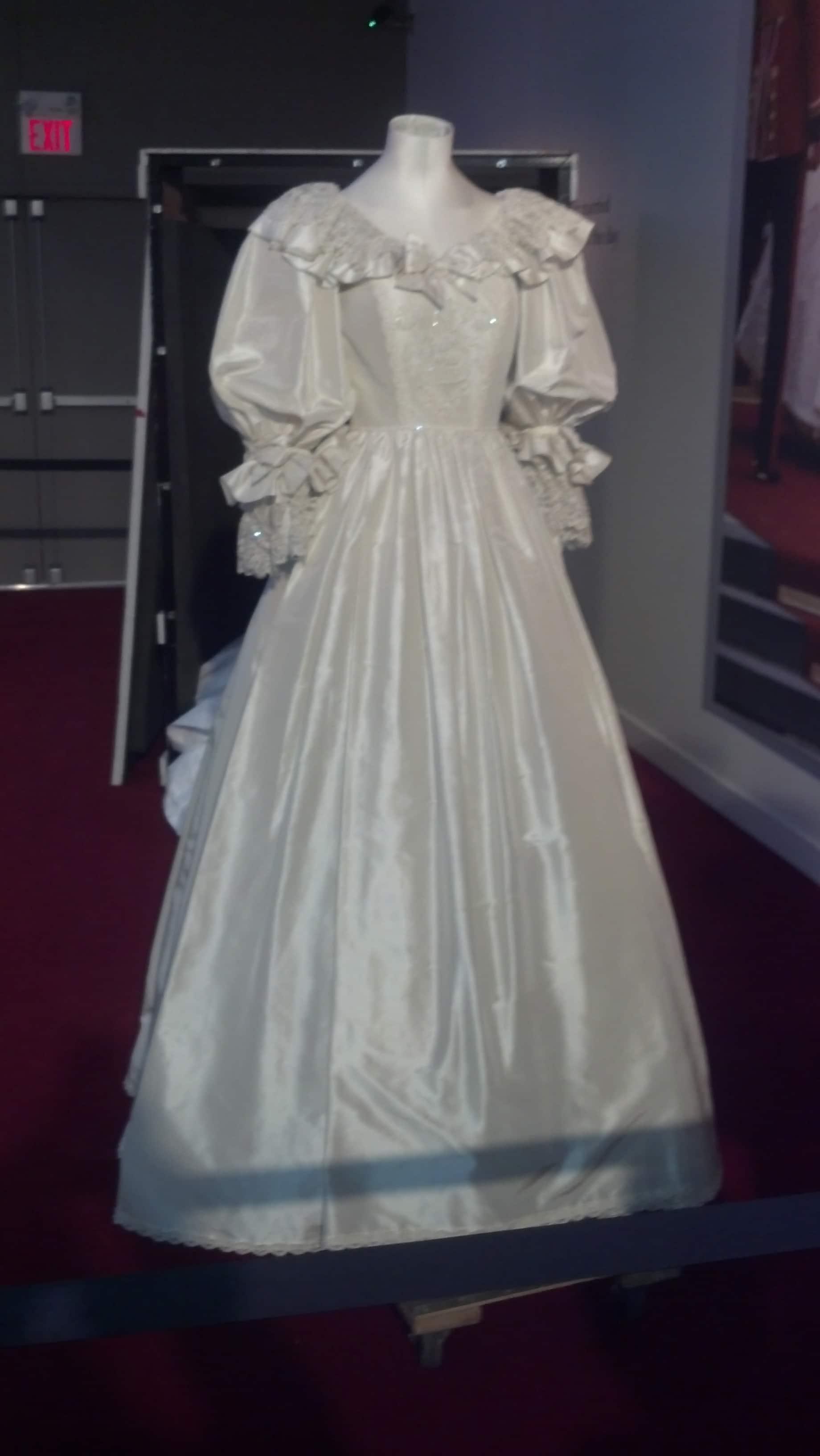 West Edmonton Mall Wedding Dresses 14
