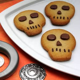 Pirate-Skull-Cookies-photo-260-cl-A.jpg