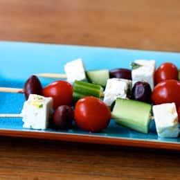 greek-salad-on-a-stick-recipe-photo-260x260-cnewman-002.jpg