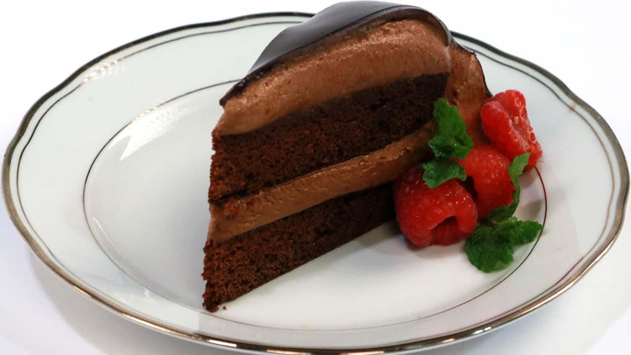 Recipe chocolate mousse cake cbc life - Herve cuisine cake chocolat ...