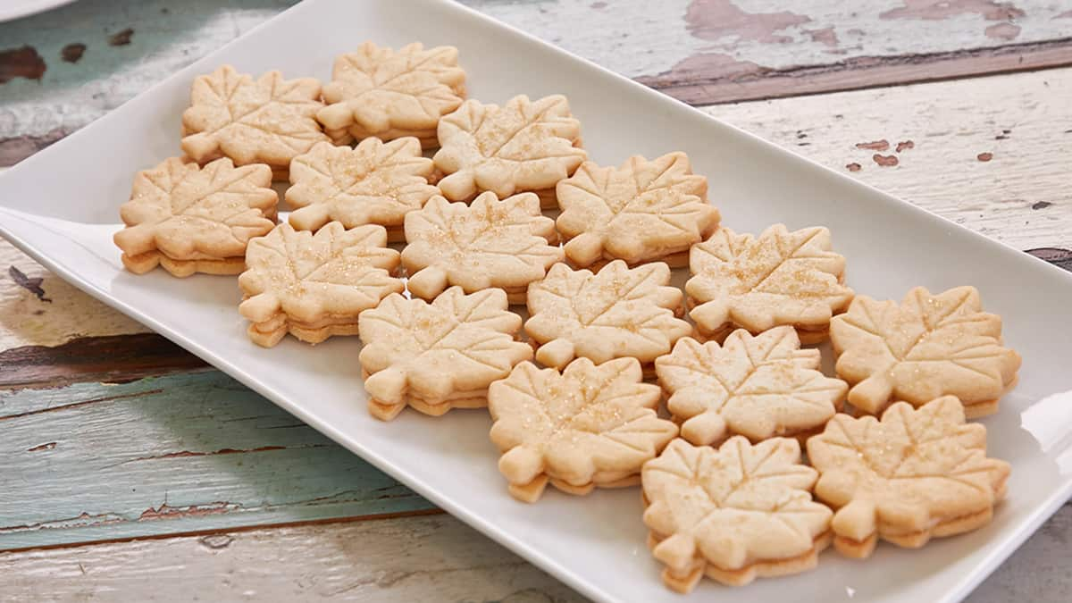 Maple Leaf Sandwich Cookies