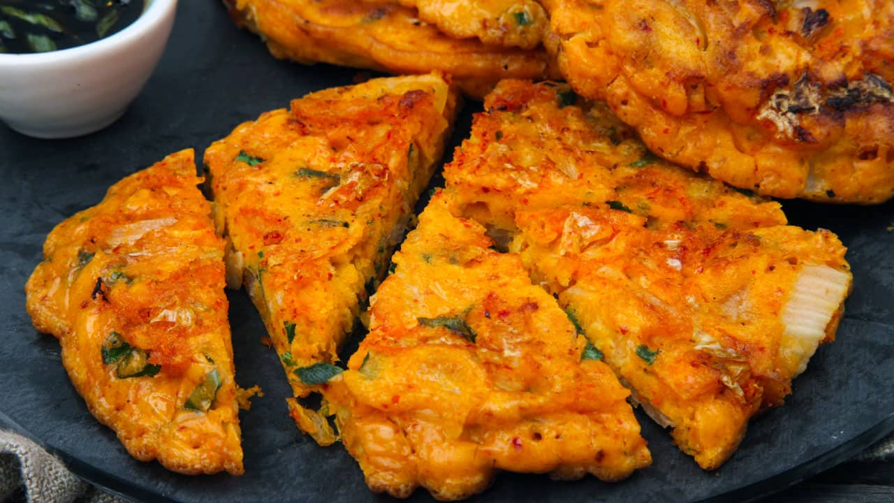 Recipe: Korean Kimchi and Green Onion Pancakes - CBC Life