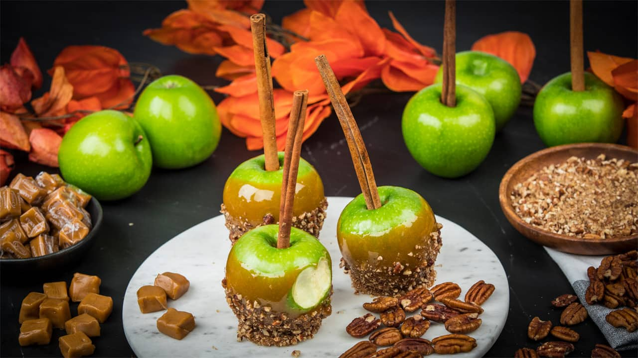 Recipe: Pumpkin Spice Caramel Apples