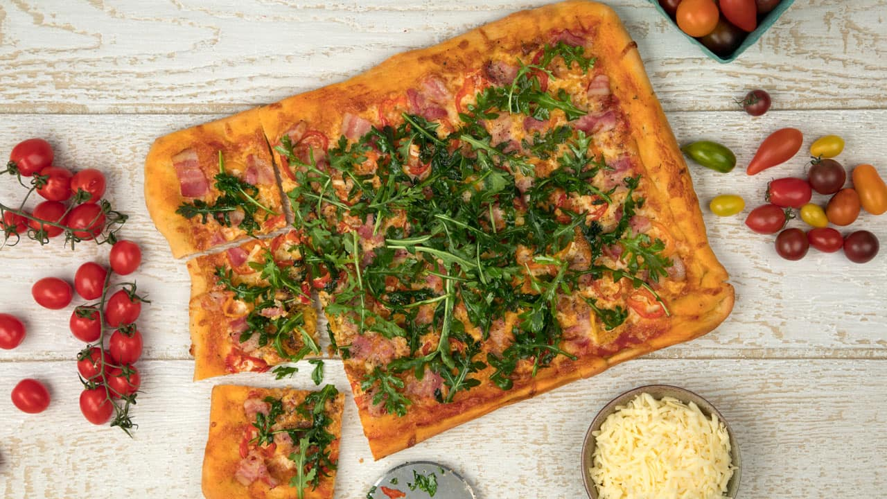 Recipe: Shahir's Bacon, Hot Pepper and Arugula Pizza