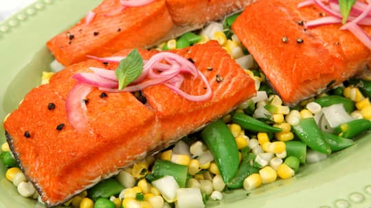 ... with a hint-of-heat jalapeño dressing and some crispy glazed salmon