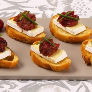 Camembert Canapés With Cranberry Pear Chutney
