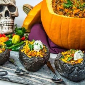Recipe: Black and Orange Halloween Chili