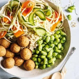Recipe: Quinoa Bowl with Pickled Vegetables, Edamame and Tofu Balls