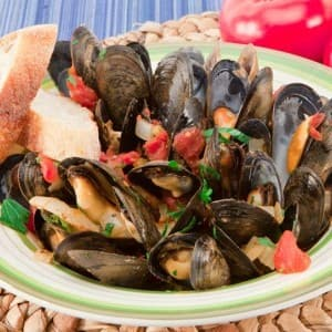Mussels in Fennel Tomato Sauce