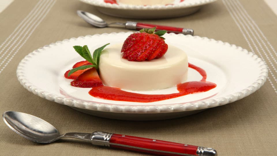 Buttermilk Panna Cotta with Strawberry Coulis