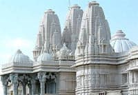 The form of the mandir makes references to sacred mountains and caves where sanctuary and inspiration can be found.
