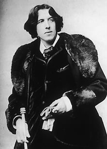 Irish playwright, poet and novelist Oscar Wilde has been praised by the Vatican's official newspaper as a man who was looking for God.