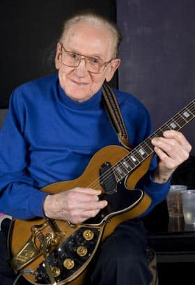 Guitar legend Les Paul plays at the Iridium Jazz Club in New York in February 2007.