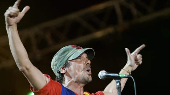 Manu Chao, performing in 2008