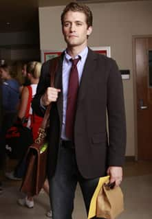Optimistic Spanish teacher Will Schuester (Matthew Morrison) becomes the musical director of his high school's show choir.