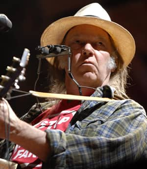 Neil Young - Page 2 Neil-young-cp-8032161