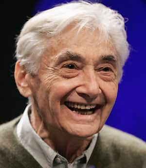 howard zinn on colonization essay Howard zinn was born on december 7 19922 in brooklyn new york zinn was raised in a working-class family in brooklyn, and flew bombing missions for the united states in world war 2, which experience he uses to shape his opposition to war.