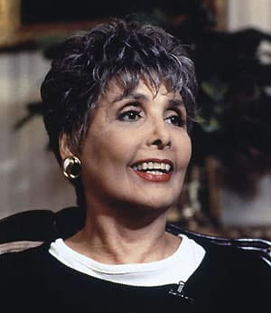 Singer and actress Lena Horne, who broke racial barriers as a Hollywood and Broadway star, has died at age 92.