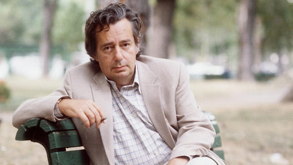 Mordecai Richler is shown in a Montreal park in October 1983. CBC reporter <b>Margo Kelly</b> interviews Charles Foran about his new biography of the author of Barney's Version. (Ryan Remiorz/Canadian Press)