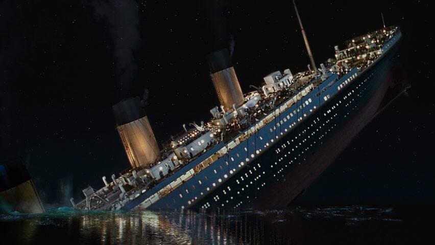 hi-titanic-3d-sinking.jpg