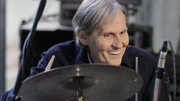 Levon Helm, shown performing Oct. 9, 2009, is losing battle with cancer, family says.