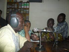 Malian broadcasters practise with their new MP3 recorders at a Farm Radio tutorial. (CBC)
