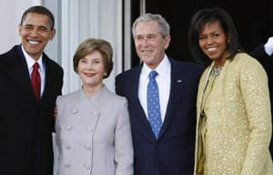 On the morning of the inauguration, outgoing President George W. Bush and his wife, Laura Bush, welcomed president-elect Barack Obama and his wife, Michelle Obama, on the North Portico of the White House.