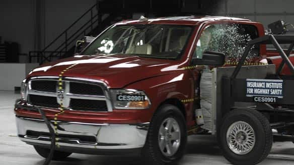 Big pickups fare poorly in side crash tests insurance group Last Updated Wednesday February 11 2009 | 9 27 AM ET The Associated Press The Insurance Institute for Highway Safety says a side impact crash test of a 2009 Dodge Ram equipped with side airbags resulted in a marginal rating Insurance Institute for Highway