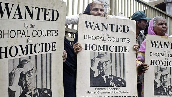 bhopal protest cp RTR9X5M