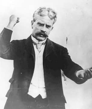 Robert Borden, a Tory, was prime minister of Canada from 1911 to 1920 and for a while during the First World War had Liberals in his government. This photo is undated. (Library and Archives Canada)