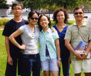 A photo of the Leung family, left to right, siblings Jason, Chung See (Doris) and Song Yi (Jessie) and their parents, Amy and Kam Wing (Ken).