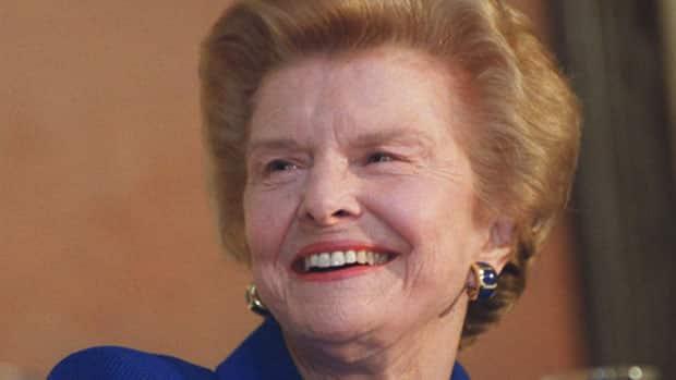 Betty Ford tidligere presidentfrue er død hun var gift med Gerald Ford! thumbnail