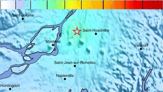 An earthquake intensity map from the U.S. Geological Survey shows the point where Wednesday morning's tremor in Quebec was felt the strongest (green) and other areas of perceived shaking (light blue). Green zones can potentially suffer very light damage and blue zones, none.