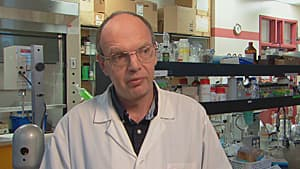 Microbiologist Keith Warriner was 'alarmed' to find coliform bacteria on hotel ice machines.