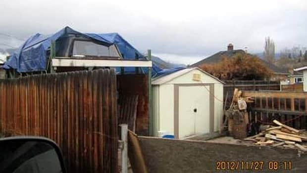 Man, woman and pets living in tool shed in Kelowna, B.C. paid $200 a month