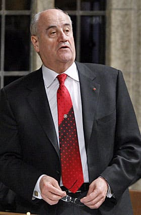 Julian Fantino, the former associate minister of defence, is still denying there were bogus parts in Canada's new fleet of Hercules transport planes.