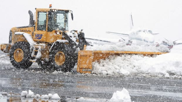 A winter storm that swept into Virginia and parts of the Mid Atlantic and Midwest was headed to New England Thursday.