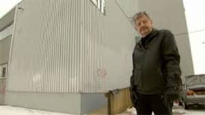Howard Willems, seen in a CBC News program from February 2012, inspected buildings where he encountered asbestos fibres.